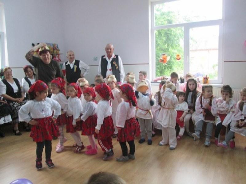Ansamblul folcloric la Grădinița PP12