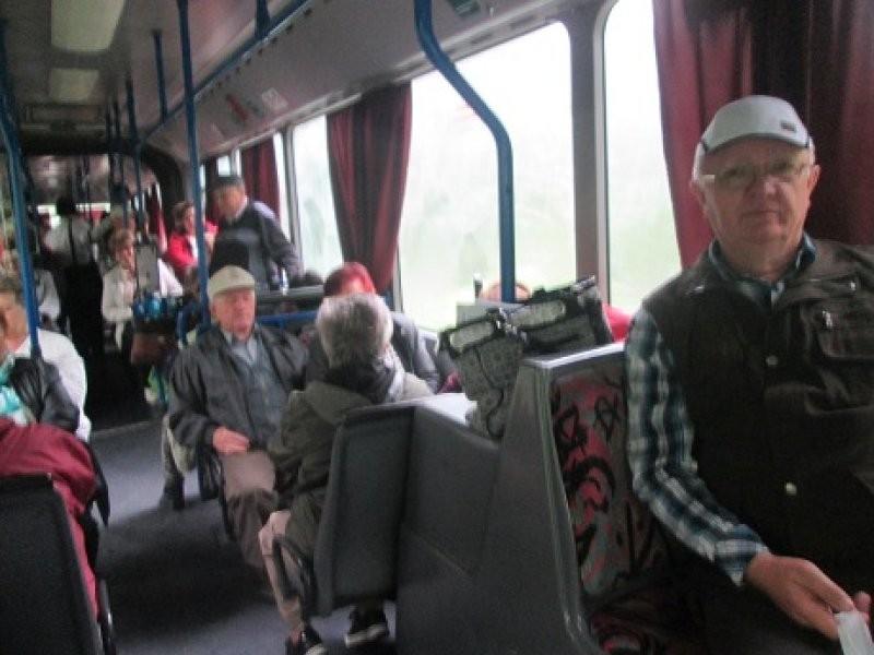 Beneficiarii centrelor de zi pentru vârstnici în excursie la 3 insule