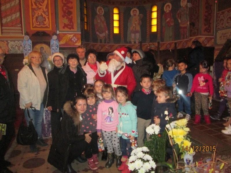 Centrul de zi pentru vârstnici din Grădişte invitat la o scenetă de Crăciun